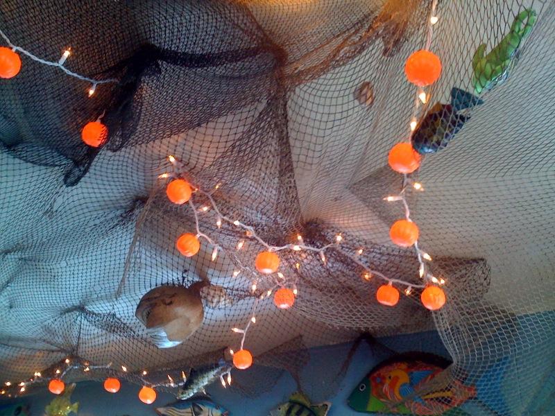 2009.10.fishnet-ceiling